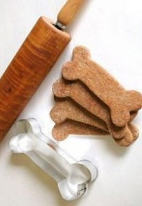 Biscotti e crocchette per cani e gatti fatti in casa